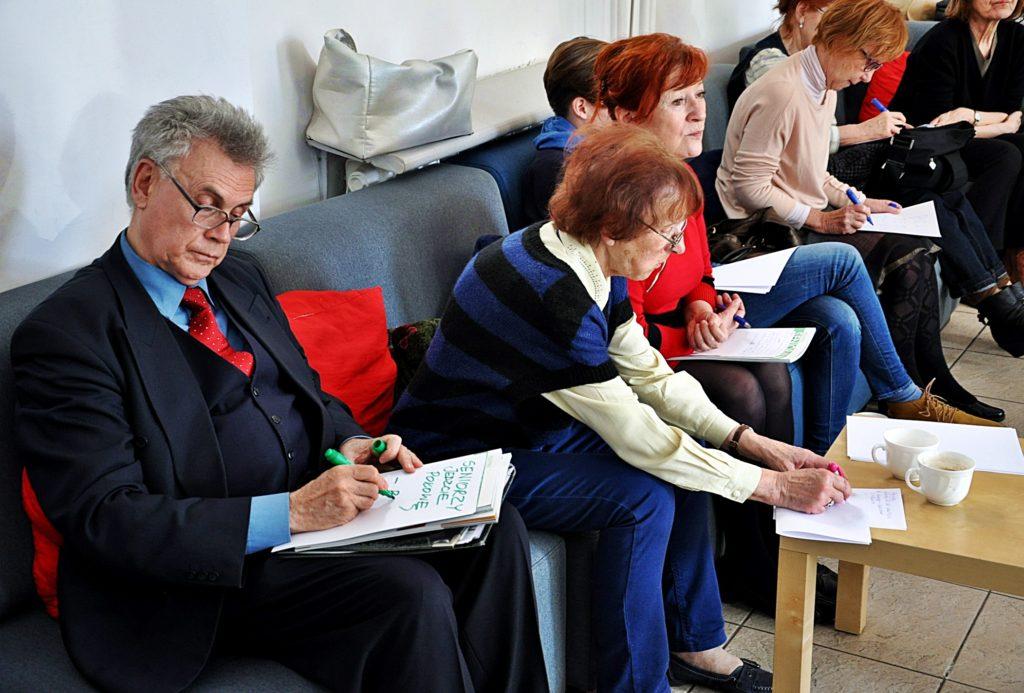 Warsztaty twórcze Parada Seniorów 2015 - Fundacja ZACZYN (8)