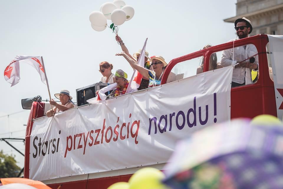 Parada Seniorów 2016 i Piknik Pokoleń 2016 fot. Magdalena Starowieyska i Darek Golik (33)