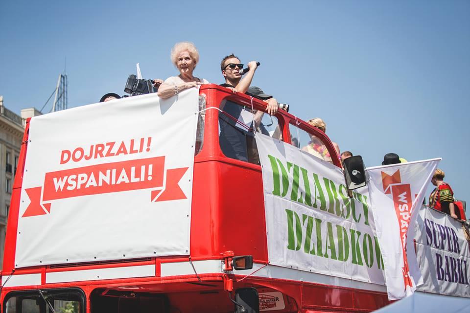 Parada Seniorów 2016 i Piknik Pokoleń 2016 fot. Magdalena Starowieyska i Darek Golik (74)