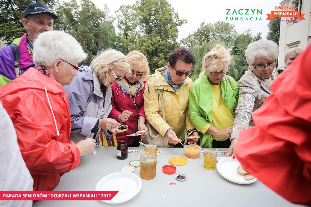 Parada-Seniorow-2017-Piknik-Pokolen-ZACZYN, fot. Dariusz Golik (1)